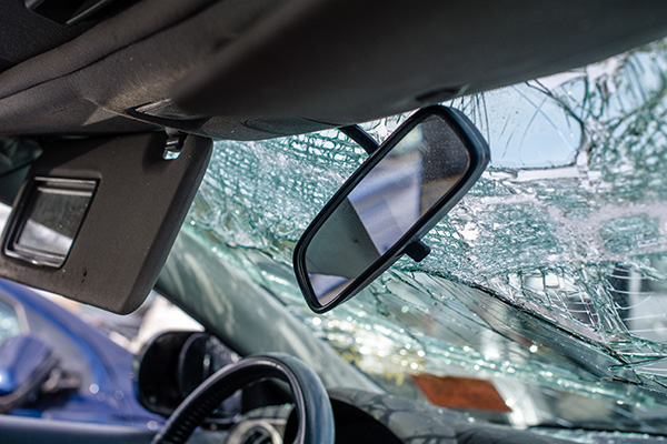 car with cracked windshield
